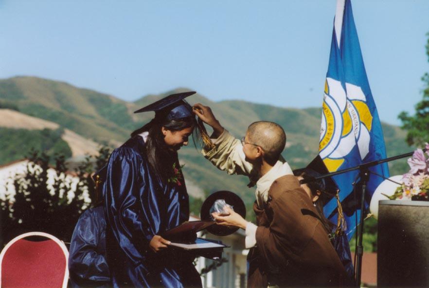 15. 2004_Graduation_01